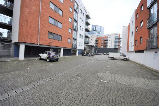 Thumbnail Flat to rent in Ocean Village, Southampton