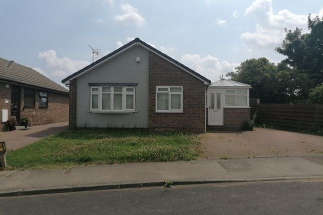 2 bed bungalow to rent in Azalea Close, South Anston, Sheffield S25