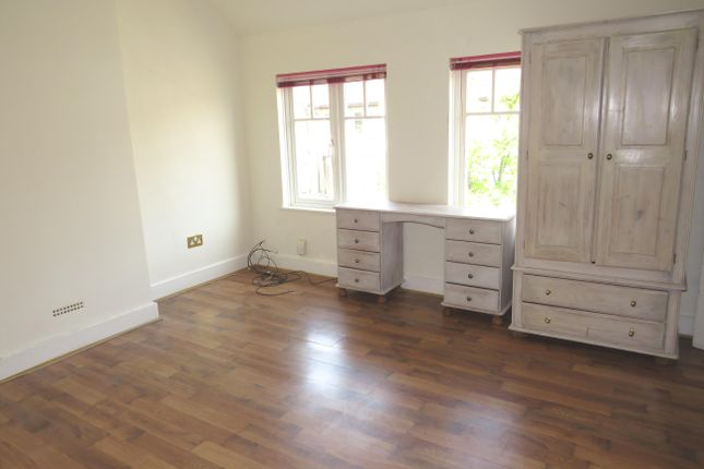 Thumbnail Property to rent in Princes Avenue, Watford