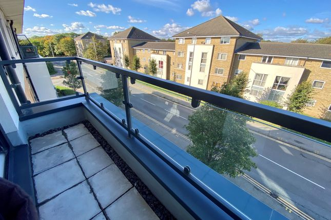 2 bed flat for sale in Hogg Lane, Grays RM17
