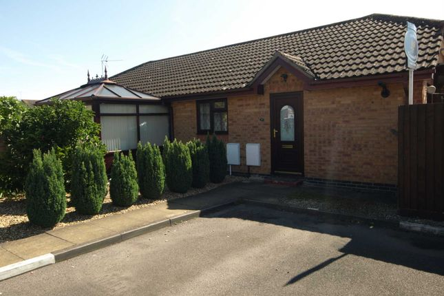 1 bed bungalow for sale in Ravencroft, Bicester