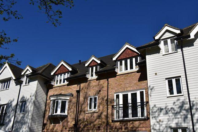 Thumbnail Property for sale in Sherlock Shaw, Crowborough