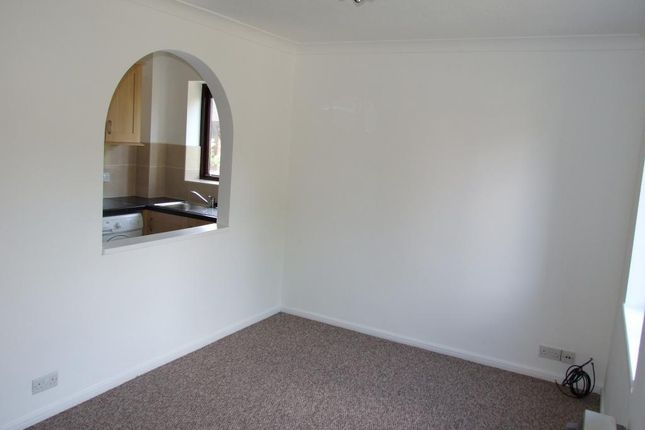 Picture 3 of Morden Close, The Warren, Bracknell, Berkshire RG12
