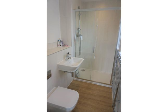 En-Suite of John Ruskin Road, Swindon SN25