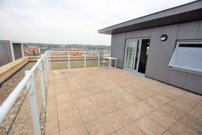 Thumbnail Flat to rent in Sail House, Hawkins Road, Colchester