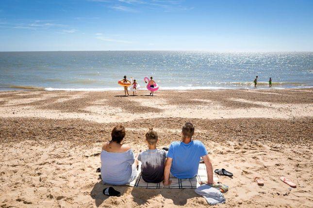 2018_Suffolk_Suffolk_Sands_Beach_Sandy_Family_Runn