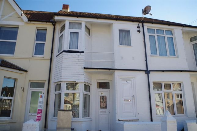 Thumbnail Flat for sale in Windsor Road, Bexhill-On-Sea