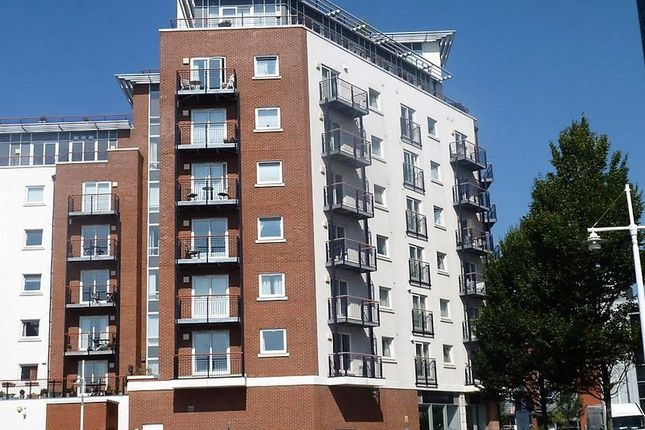 Thumbnail Flat for sale in Centurion Court, Gunwharf Quays, Portsmouth