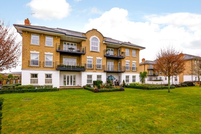 Thumbnail Flat to rent in Clearwater Place, Surbiton