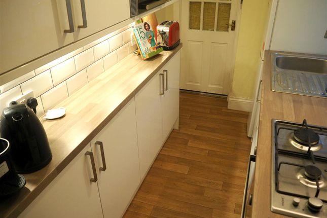 Kitchen 3 of Oxford Street, Rugby CV21