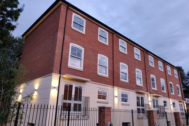 Thumbnail Flat to rent in St Stephens Road, Canterbury