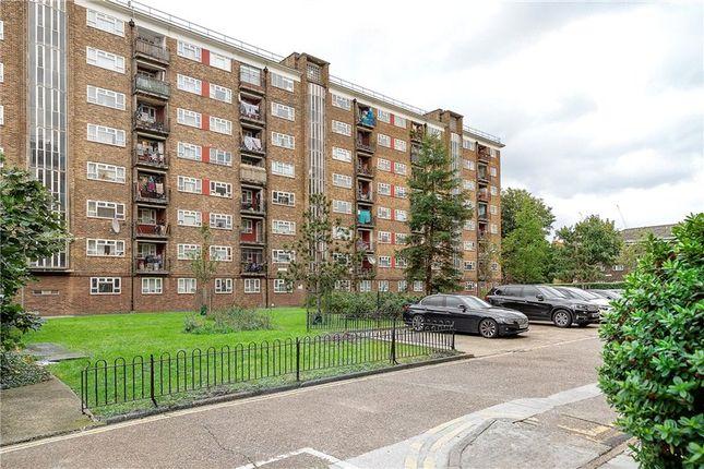 3 bed flat for sale in Penrose House, Penrose Street, London SE17