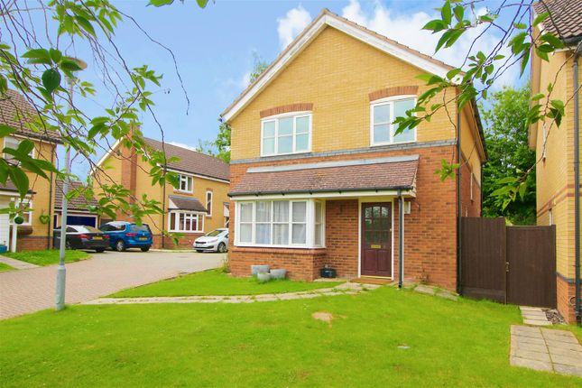Thumbnail Detached house for sale in Auber Close, Hoddesdon