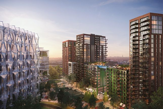 Thumbnail Flat for sale in Viaduct Gardens, London