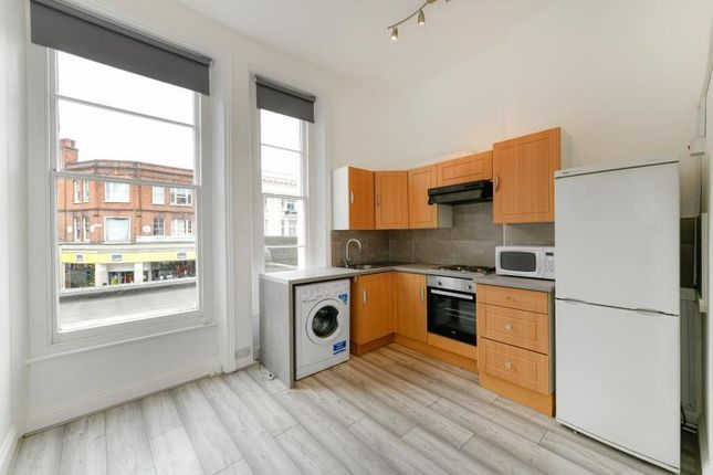 2 bed flat to rent in Kilburn High Road, London NW6