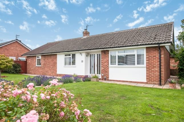 Thumbnail Bungalow for sale in Sedgeley Close, Tuffley, Gloucester, Gloucestershire