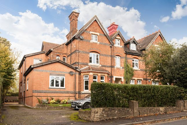 2 bedroom flat for sale in Willow Grove, Chislehurst, Kent