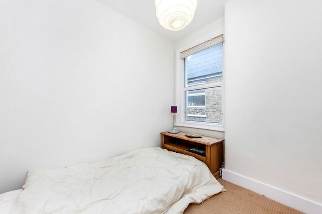 Guest Bedroom of Glasford Street, London SW17