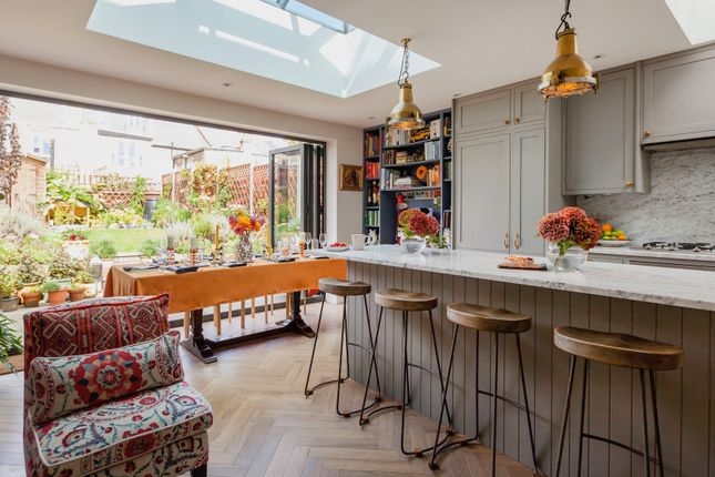 Thumbnail Flat to rent in Bollo Bridge Road, London