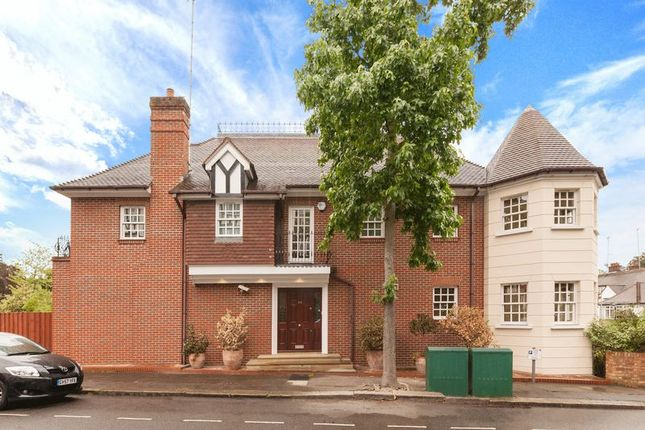Thumbnail Detached house to rent in Lyndale Avenue, London