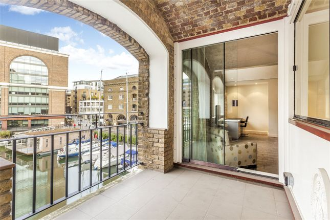Thumbnail Flat to rent in Ivory House, East Smithfield, St Katharine Docks, London