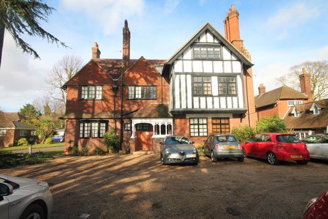 Thumbnail Flat to rent in Hawthorne Road, Bickley, Bromley