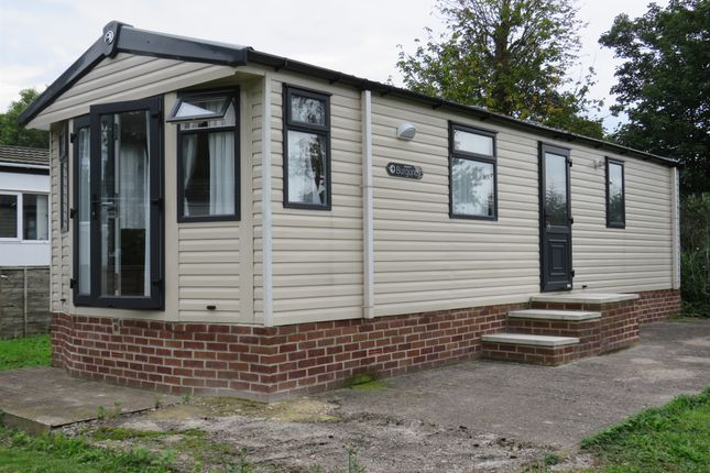 Thumbnail Mobile Park Home For Sale In Carlton Manor On