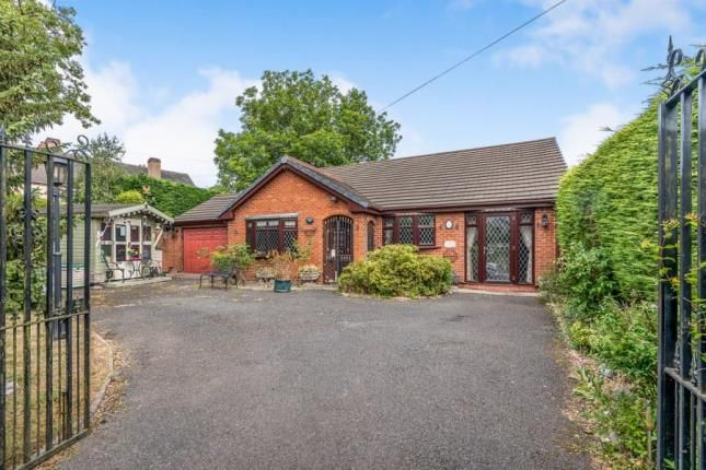 Thumbnail Bungalow for sale in Jacobs Hall Lane, Walsall, West Midlands
