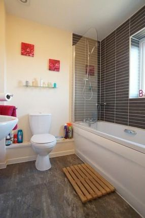 Family Bathroom of Dundee Drive, Fishponds, Bristol BS16