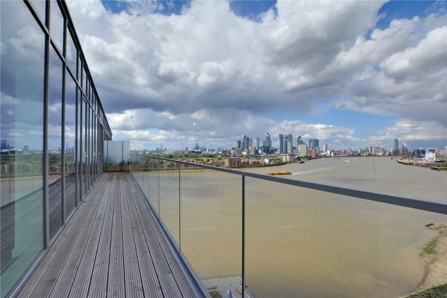 Picture No. 26 of Wyndham Apartments, 60 River Gardens Walk, Greenwich, London SE10