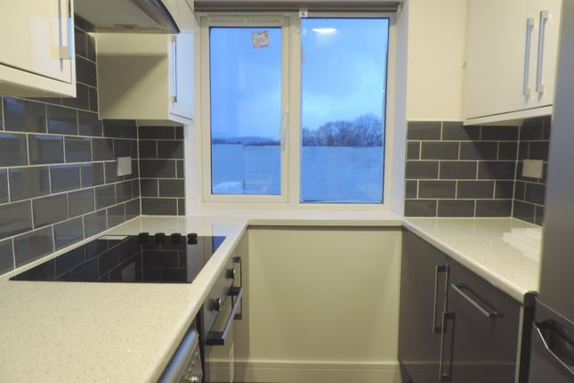 Thumbnail Flat to rent in Shopping Parade, Clearwater Way, Lakeside