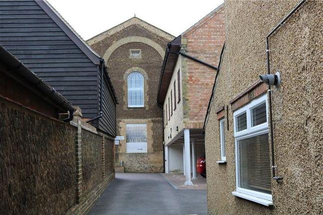 Thumbnail Flat to rent in Sun Street, Potton, Sandy