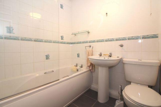 Bathroom of Penzer Street, Kingswinford DY6