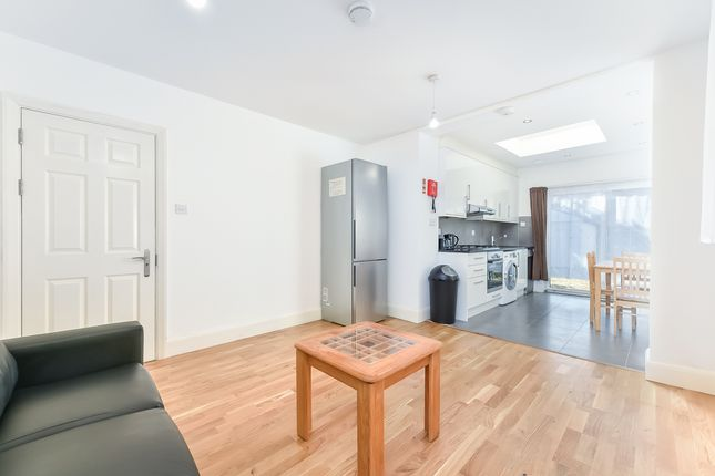 Thumbnail Property to rent in Park Drive, Ealing