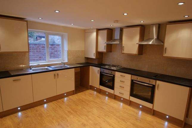 Thumbnail Property to rent in Queens Road, Hyde Park, Leeds