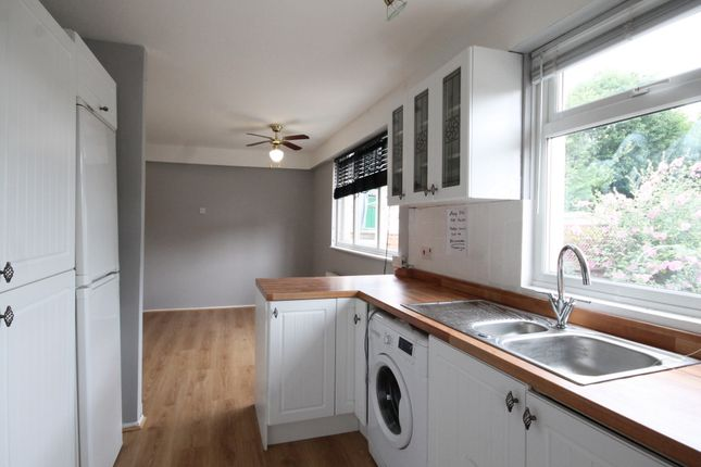 3 bed terraced house to rent in Woodhall Lane, South Oxhey WD19