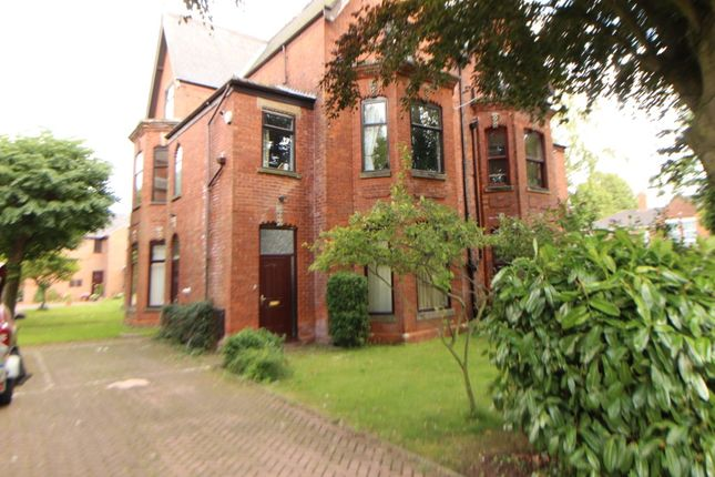 2 bed flat to rent in Abbey Park Mews, Grimsby DN32