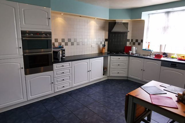 Thumbnail End terrace house to rent in Lake Gardens, London