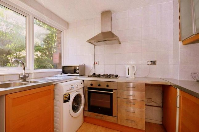 Thumbnail Flat to rent in Beaulieu Close, London