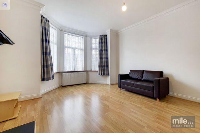Thumbnail Flat to rent in Hale Lane, London