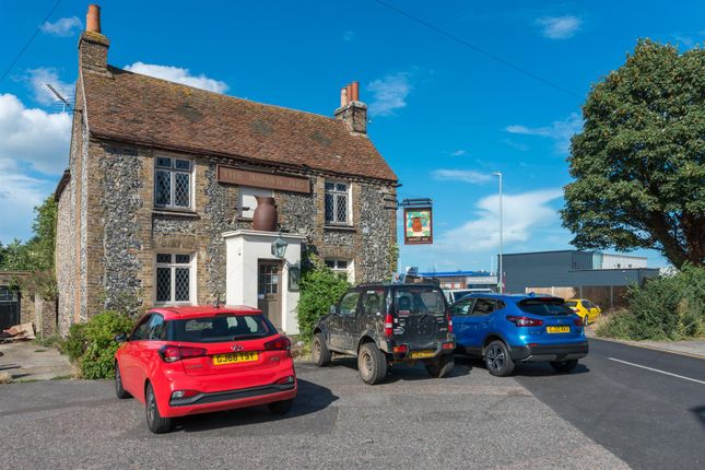 Thumbnail Pub/bar for sale in Ramsgate Road, Broadstairs