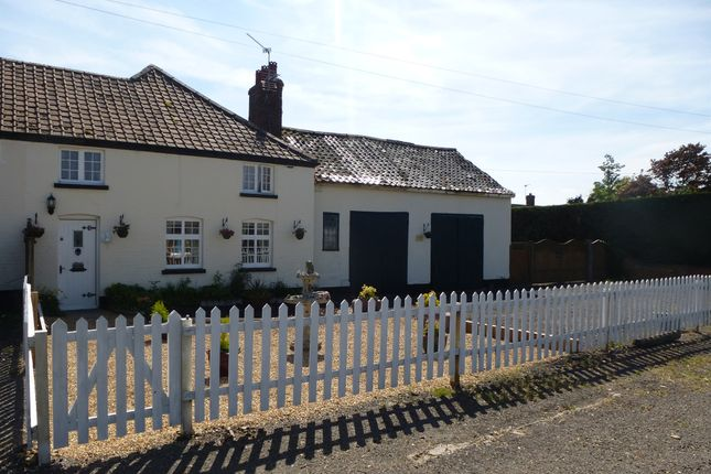 Thumbnail Cottage for sale in Newmarket Road, Risby, Bury St. Edmunds
