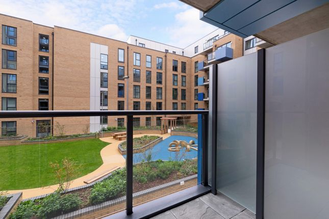 Thumbnail Flat for sale in Larkwood Avenue, Lewisham