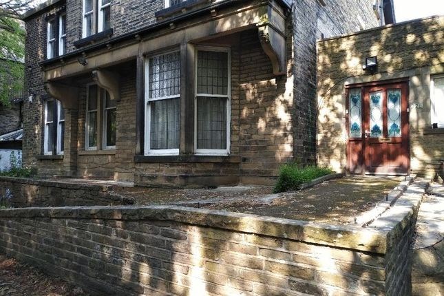 Thumbnail Flat for sale in Park Drive, Bradford