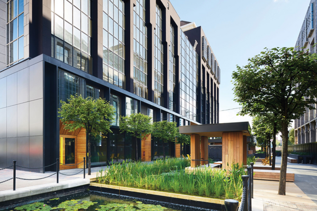 Thumbnail Office to let in Clove Crescent, London