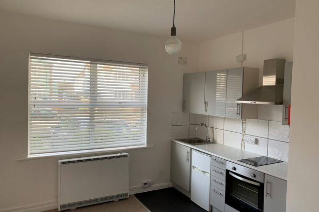 Room to rent in Victoria Drive, Bognor Regis PO21