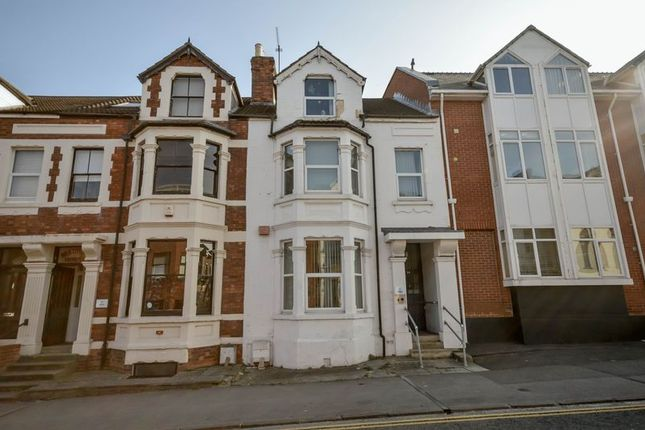 Thumbnail Terraced house for sale in Milton Road, Swindon