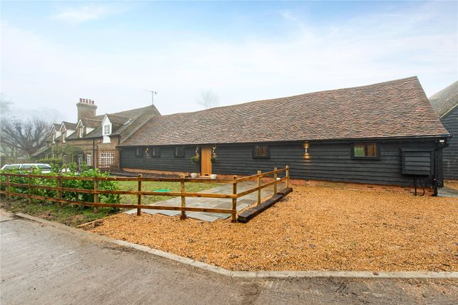 Thumbnail Bungalow for sale in Langley Lodge Lane, Kings Langley