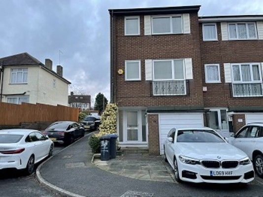 Thumbnail Property to rent in Aldridge Walk, London