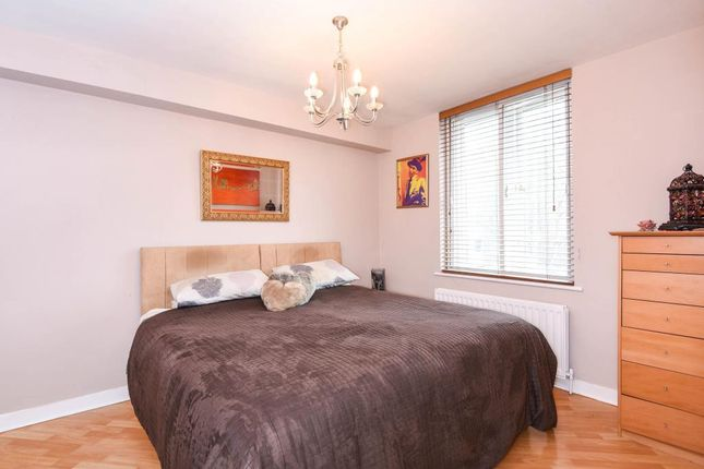 Bedroom of Ridings Close, Highgate N6,